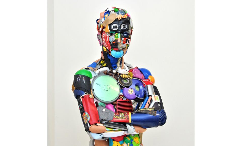1-Uomo-in-piedi-2016cm180x53x40-2.jpg