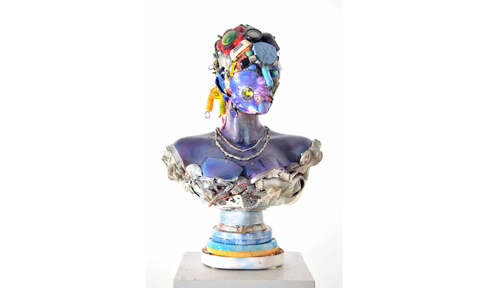 1-busto-di-donna-objects-resin-cm-66x47x26-2016.jpg