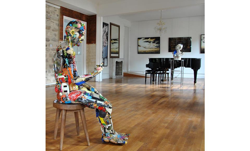 12-Uomo-seduto-Besharat-Gallery-Barbizon-FR-2013.jpg