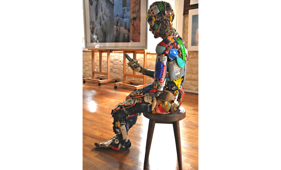13-Uomo-seduto-Besharat-Gallery-Barbizon-FR-2013-2.jpg