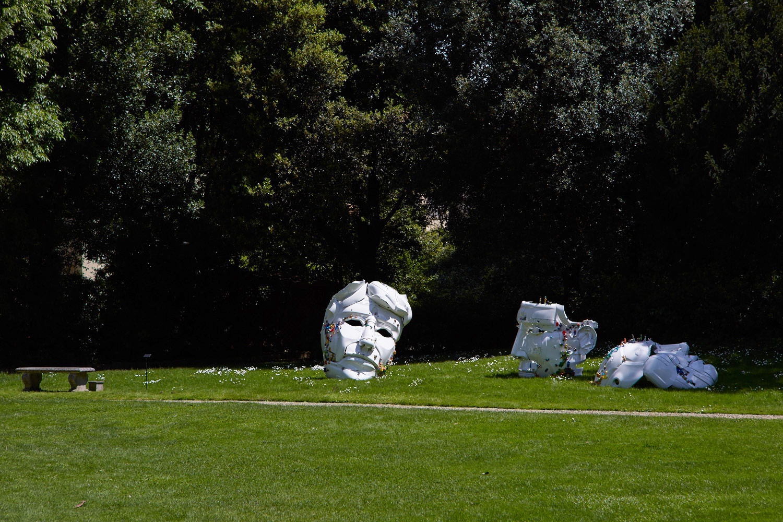 1-the-ancient-plastic-society-2014-steel-car-bumpers-toys-Parco-della-Gherardesca-Four-Season-Firenze.jpg