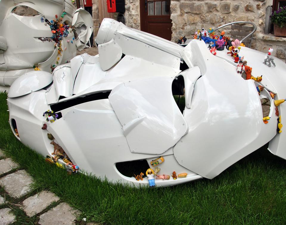 12-the-ancient-plastic-society-2014-steel-car-bumpers-toys-Besharat-Gallery-Barbizon.jpg