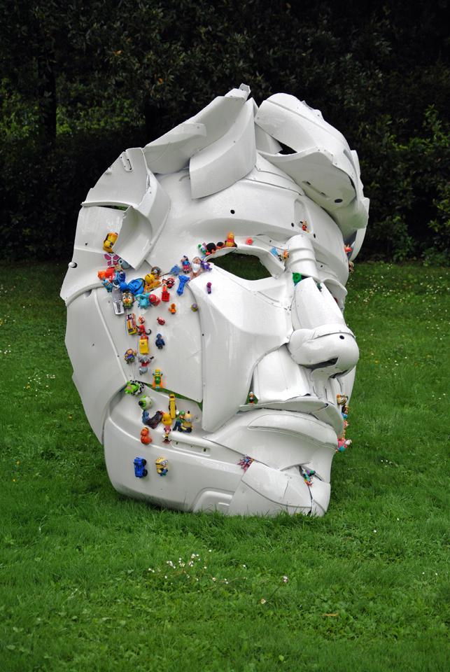 6-the-ancient-plastic-society-2014-steel-car-bumpers-toys-Parco-della-Gherardesca-Four-Season-Firenze.jpg