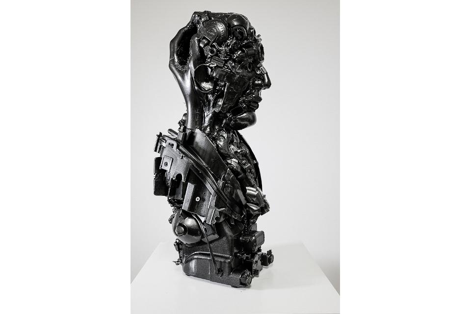 Black-John-2020-mixed-media-assembly-resin-car-paint-cm-24x25x55-2.jpg