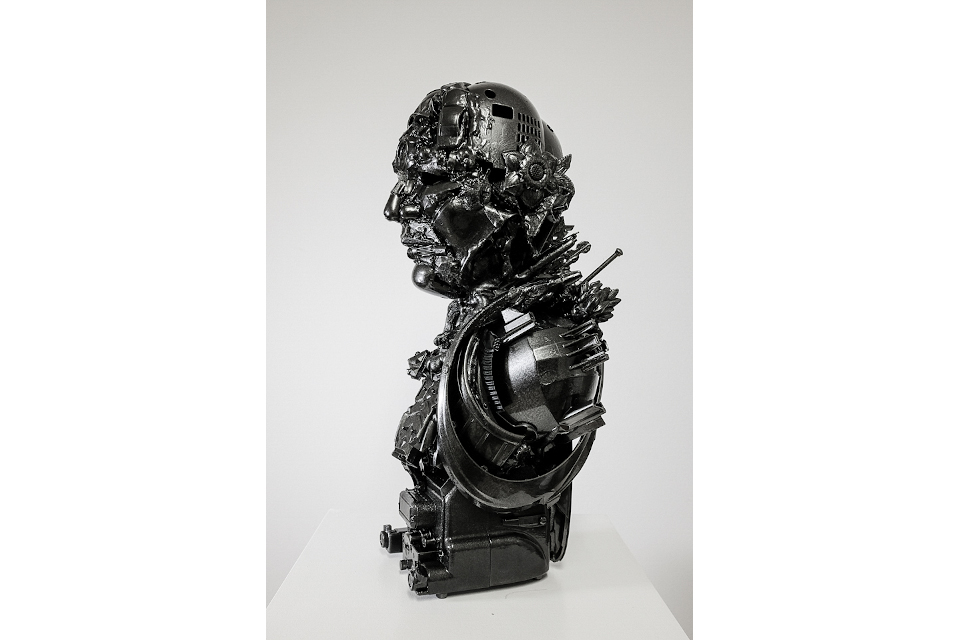 Black-John-2020-mixed-media-assembly-resin-car-paint-cm-24x25x55.jpg