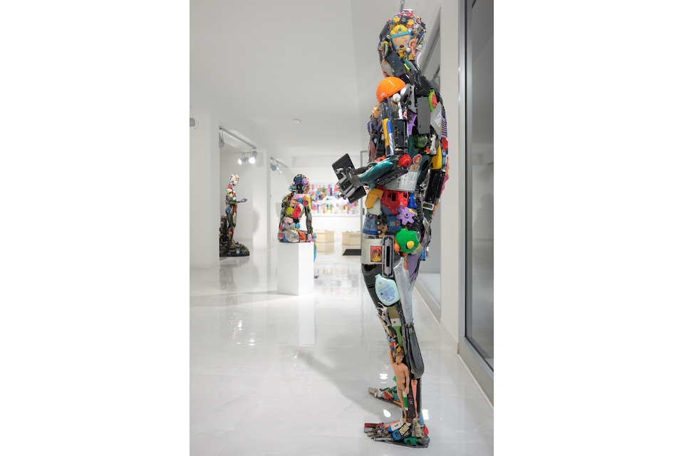 The-painter-2019-mixed-media-assembly-steel-resin-cm-184x65x56..jpg